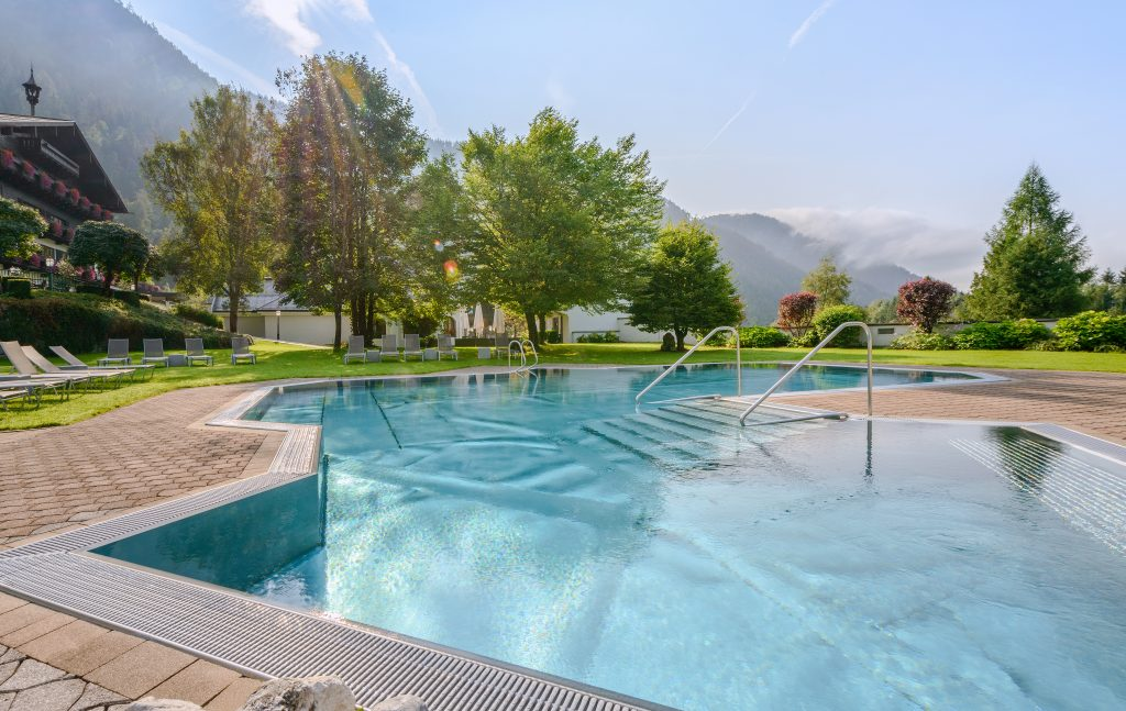 Schwimmbad & Außenpool 🏊 ♂️ Pools im Hotel Brandlhof ...