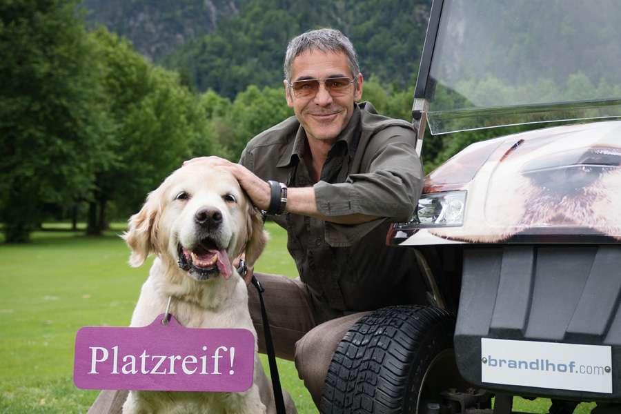 Golf spielen mit Hund